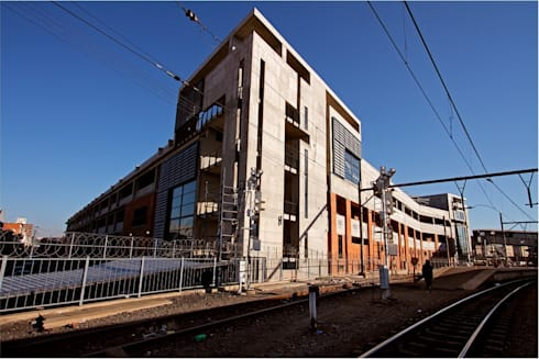 Mangaung Intermodal Transport Facility including Hanger Street Bridge:  Commercial Spaces by Truspace