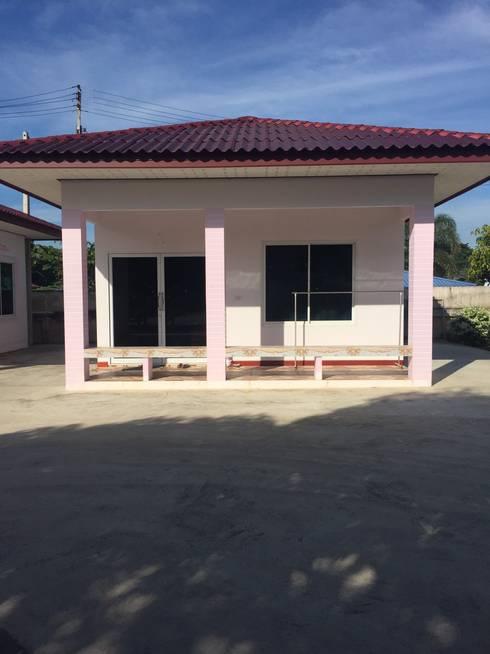 บ้านเดี่ยวชั้นเดียว:  บ้านและที่อยู่อาศัย by แก้วกุศล