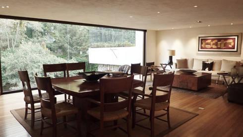 Casa Bosques: Comedores de estilo moderno por Taller Plan A