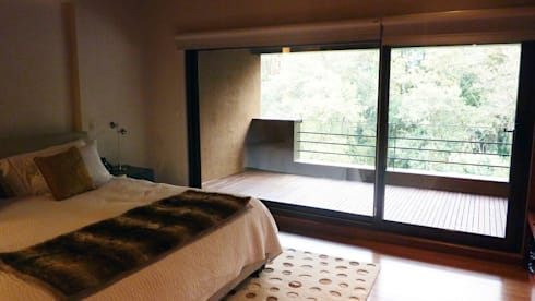 Casa Bosques: Recámaras de estilo moderno por Taller Plan A