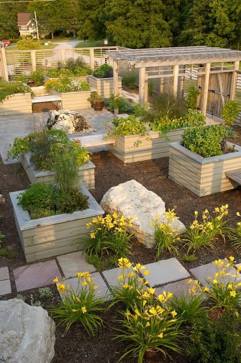 Benchscape:  Garden by Lex Parker Design Consultants Ltd.