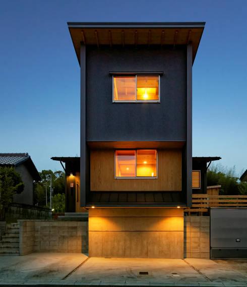 北側外観: 磯村建築設計事務所が手掛けた家です。