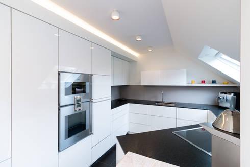 appartementk che nach ma von klocke m belwerkst tte gmbh homify. Black Bedroom Furniture Sets. Home Design Ideas