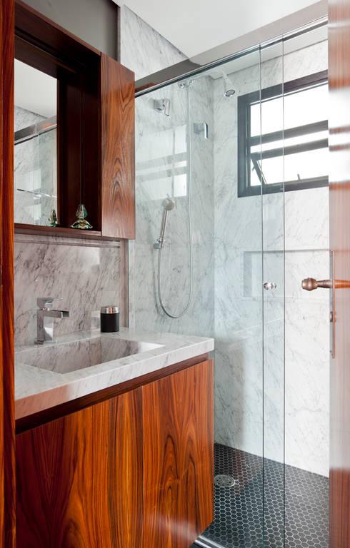 Banheiros: Banheiros  por INÁ Arquitetura