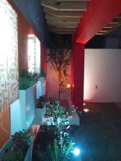 Diseño de Jardín y Andador Padilla: Jardines de estilo  por Arqca