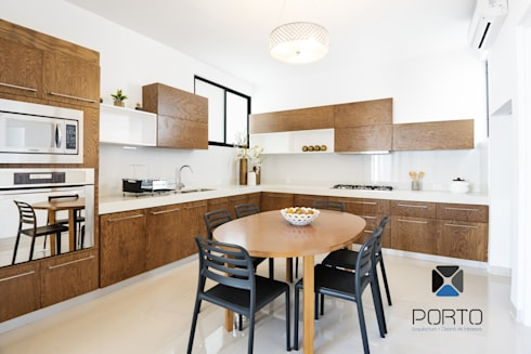 <q class='-first'>PROYECTO LDZ26</q>: Cocinas de estilo ecléctico por PORTO Arquitectura + Diseño de Interiores