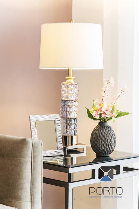 <q class='-first'>PROYECTO LDZ26</q>: Salas de estilo ecléctico por PORTO Arquitectura + Diseño de Interiores