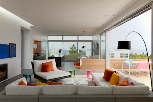 Beach Walk House: modern Living room by SPG Architects