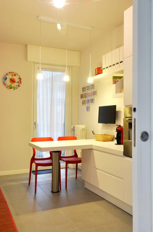 Cocinas de estilo  por arCMdesign - Architetto Michela Colaone