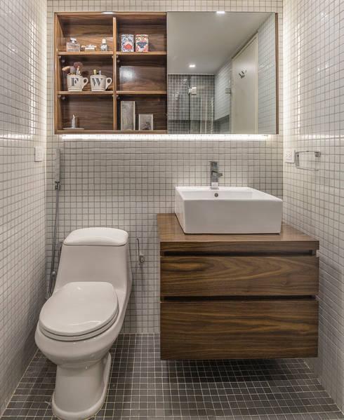 Baños de estilo moderno por CENTRAL ARQUITECTURA