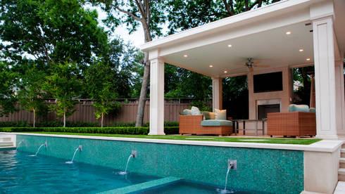 Outdoor Living Room & Raised Pool Wall:  Patios & Decks by Matthew Murrey Design