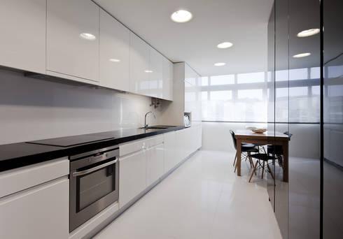 Kitchen | after: Cozinhas minimalistas por FMO ARCHITECTURE