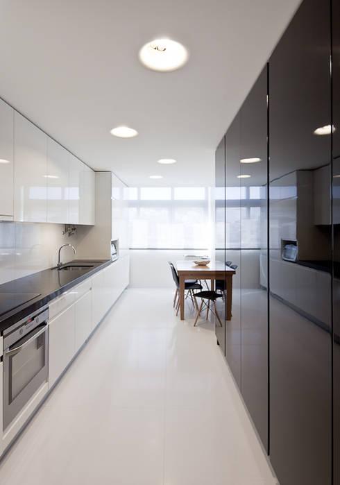 Kitchen: Cozinhas minimalistas por FMO ARCHITECTURE
