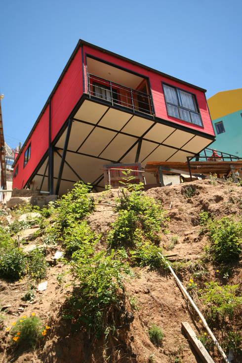 Vista desde Quebrada: Casas de estilo  por Arq2g