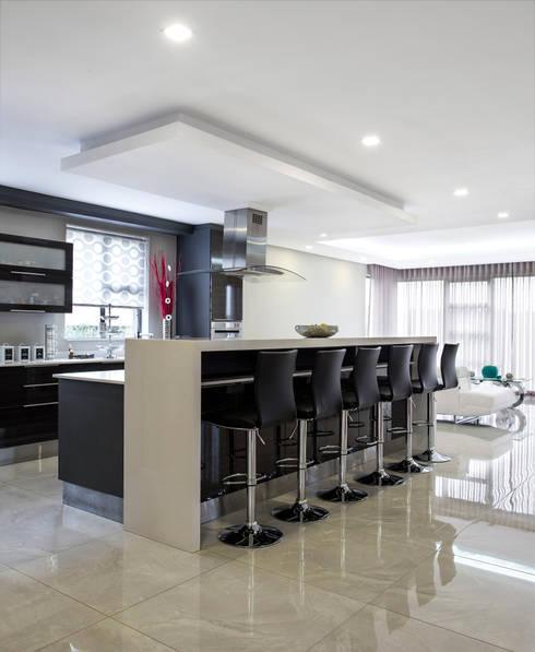 مطبخ تنفيذ FRANCOIS MARAIS ARCHITECTS