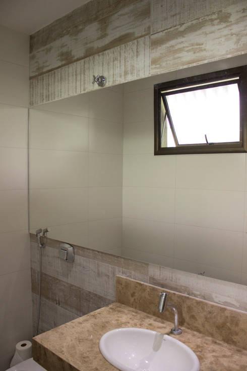 Residência Baes: Banheiros  por Pz arquitetura e engenharia