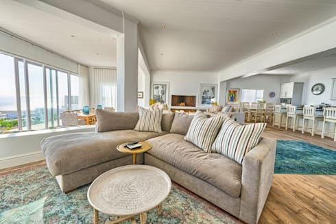 Atlantic Drive: eclectic Living room by House Couture Interior Design Studio