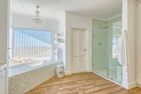 Atlantic Drive: eclectic Bathroom by House Couture Interior Design Studio