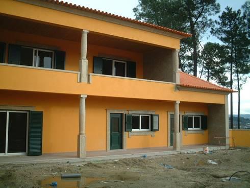 Vivenda Unifamiliar <q>AM</q>: Casas clássicas por Traço M - Arquitectura