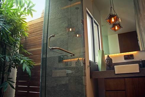 Baño visitas: Baños de estilo  por Narda Davila arquitectura