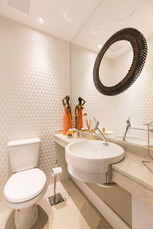 ECP | Lavabo: Banheiros  por Kali Arquitetura