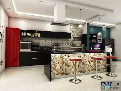 Kaitlyn Parallel Kitchen Design:   by Blue Interiors