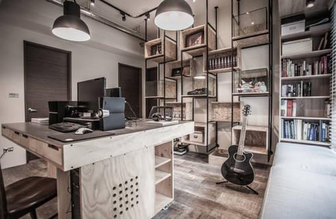 竹東 PC House:  書房/辦公室 by 丰墨設計   Formo design studio