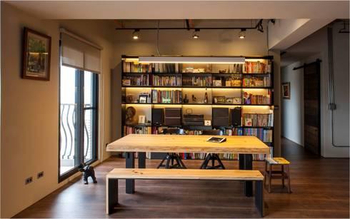 輕工業風:  書房/辦公室 by 木皆空間設計