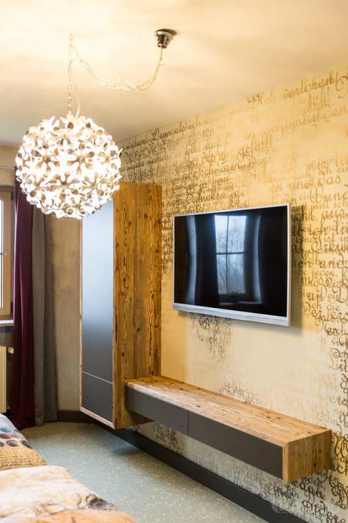 Modern Bedroom By Alegroo   Interior Design