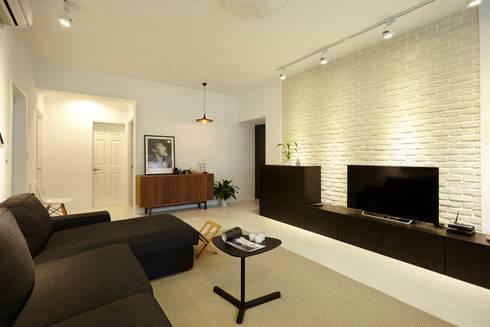 新北 中和 Huang residence:  客廳 by 双設計建築室內總研所