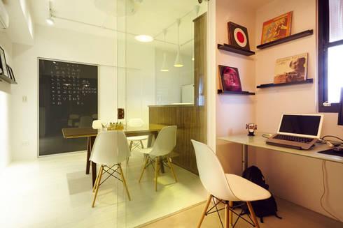 新北 中和 Huang residence:  書房/辦公室 by 双設計建築室內總研所