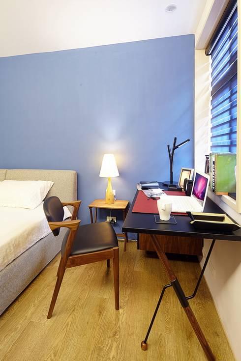 北市 北投 Hsu residence:  臥室 by 双設計建築室內總研所