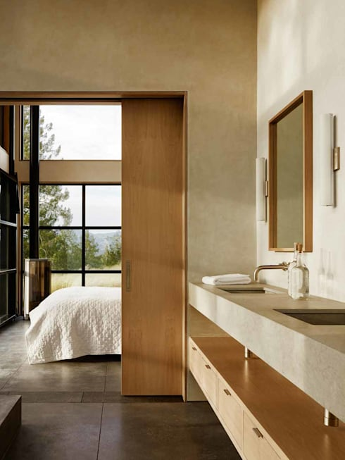 Healdsburg I:  Bathroom by Feldman Architecture