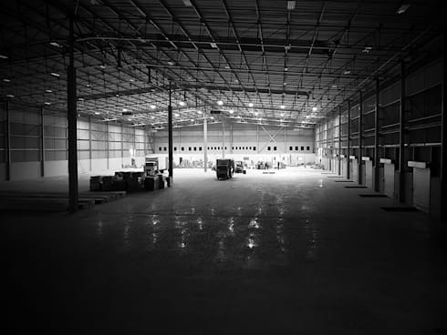 RACEWAY INDUSTRIAL WAREHOUSE & OFFICE:  Commercial Spaces by Architects Of Justice