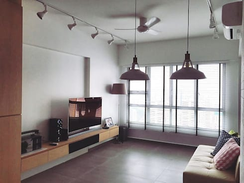 Living room, TV feature wall: scandinavian Living room by Singapore Carpentry Pte Ltd