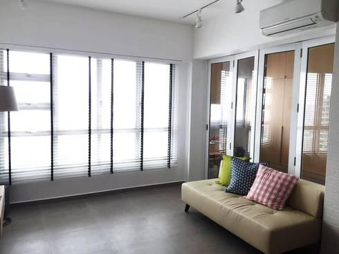 Living area: scandinavian Living room by Singapore Carpentry Pte Ltd