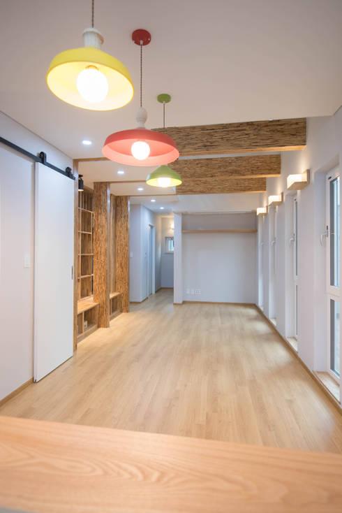 Ruang Keluarga by 건축사사무소 재귀당