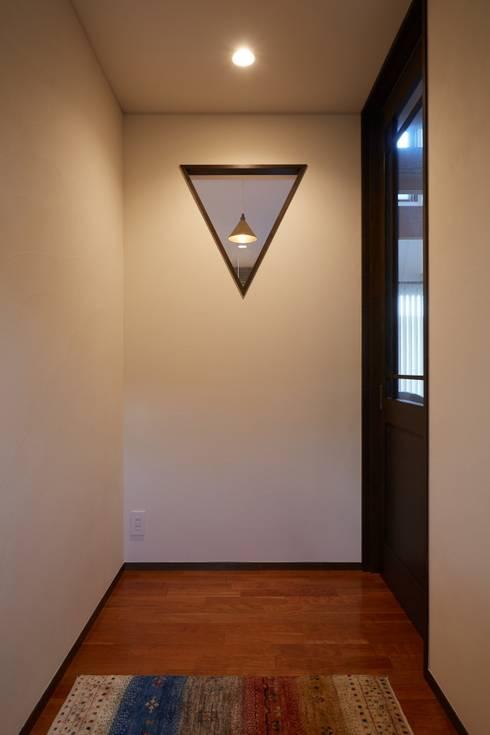 WABI: stage Y's 一級建築士事務所が手掛けた廊下 & 玄関です。
