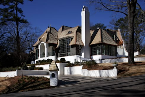 Ridgeview Showhouse: eclectic Houses by Christopher Architecture & Interiors