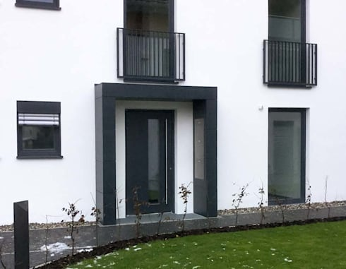 Eingangsüberdachung eingangsüberdachung vordach mit verkleidung aus fassadenplatten