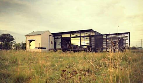 Rosendal House: minimalistic Houses by Inizio homes