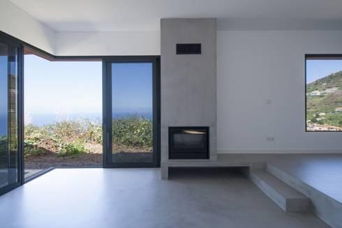 Sala de Estar_Vista: Salas de estar minimalistas por Mayer & Selders Arquitectura