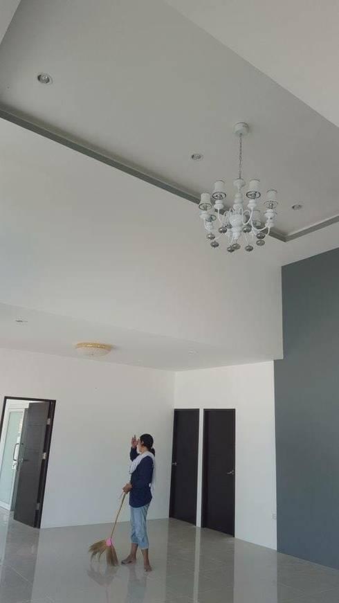 Paisajismo de interiores de estilo  por สถาปนิกสร้างสรรค์