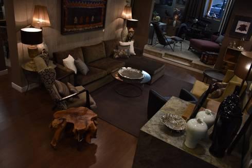 Remodelação Showroom – Dezembro 2016: Salas de estar modernas por Amber Road - Design + Contract