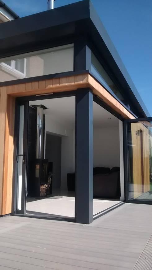 modern Living room by Dab Den Ltd