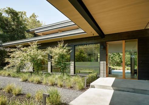 Portola Valley Ranch: modern Gym by Feldman Architecture