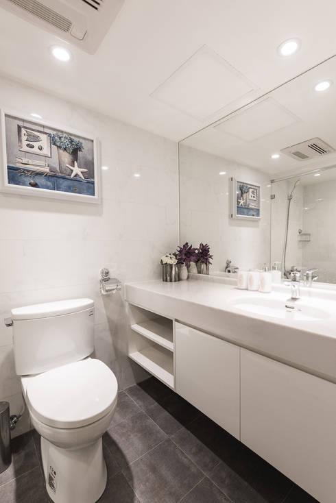 客浴:  浴室 by 你你空間設計