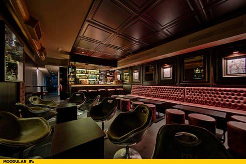 Moodular - Duck&tales cocktail room : Salas de jantar modernas por MOODULAR
