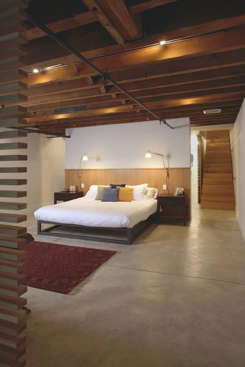 Peabody Loft and Studio:  Bedroom by SA-DA Architecture
