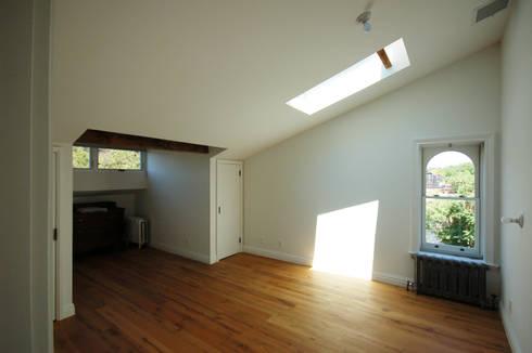 Brooklyn Brownstone: modern Bedroom by SA-DA Architecture